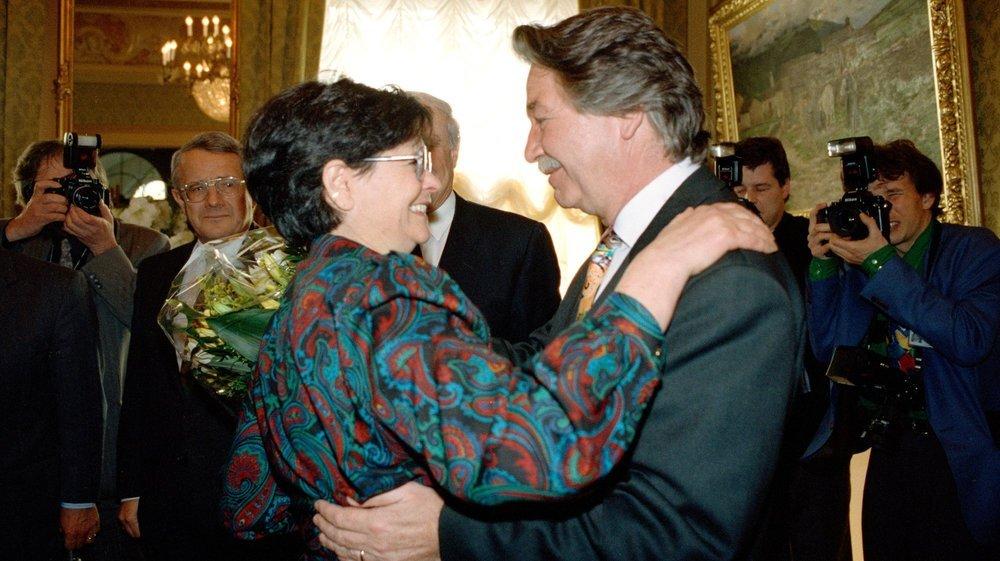 Le socialiste René Felber avec Ruth Dreifuss, celle qui lui a succédé au Conseil fédéral en 1993.