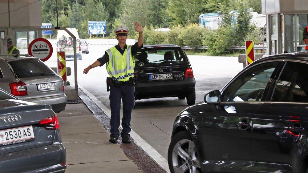Un frontalier ayant passé des vacances dans une région française désignée «à risque» pourra aller au travail sans problème, alors que son collègue suisse parti au même endroit sera en quarantaine.
