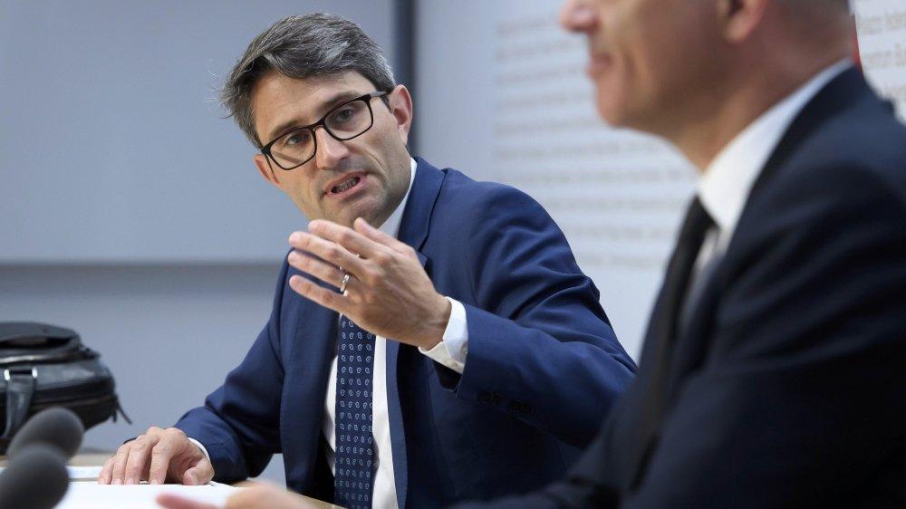 Après les remarques d'Alain Berset, le ministre bâlois Lukas Engelberger estime que les cantons ont bien travaillé jusqu'ici.