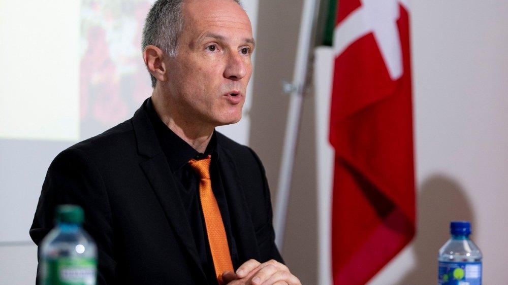 Laurent Kurth réfute la critique selon laquelle les autorités cantonales n'ont pas suffisamment anticipé la soudaine hausse des cas de Covid-19.
