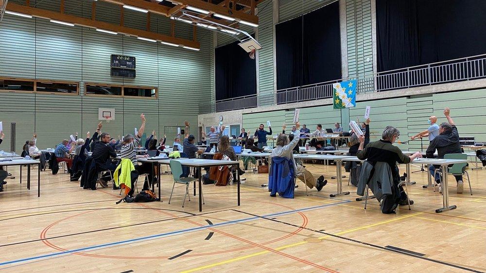 Le Conseil général du Val-de-Travers s'est tenu ce lundi soir dans les salles de gymnastique d'espaceVAL, à Couvet.