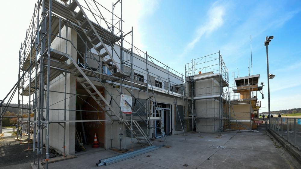 Les travaux en cours à l'aéroport des Eplatures, à La Chaux-de-Fonds.