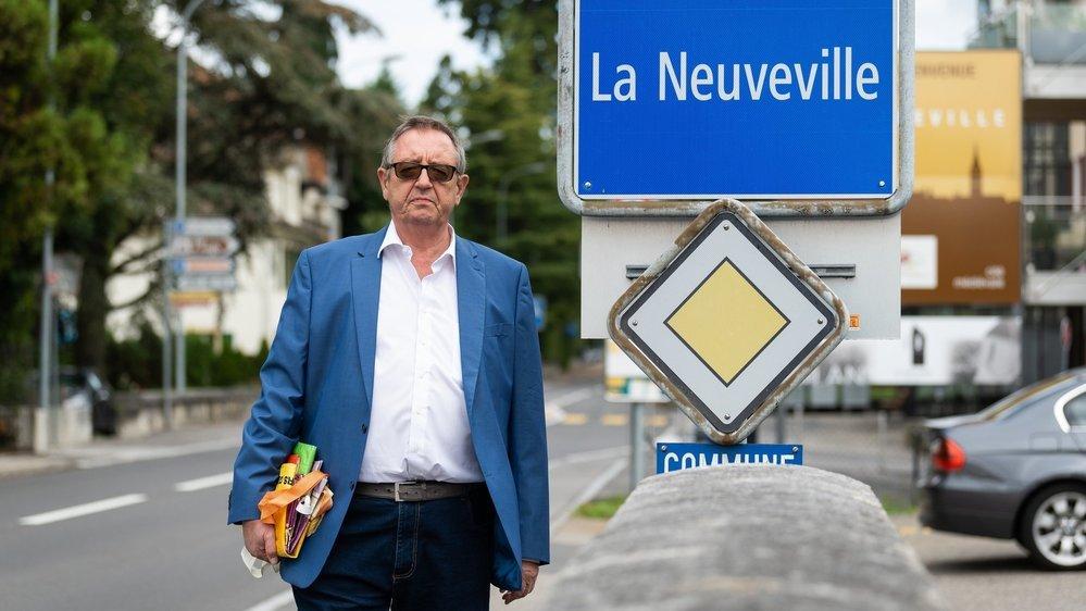 Désormais, c'est à La Neuveville qu'Eric Fischer va faire ses courses puisque le canton de Berne n'oblige pas les citoyens à se masquer dans les centres commerciaux.