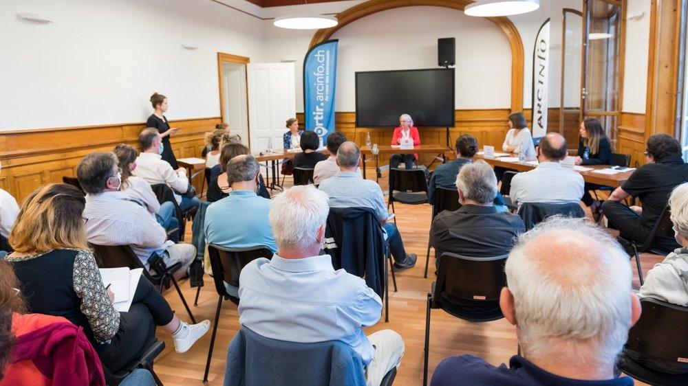 Une trentaine de personnes étaient présentes pour écouter les candidates aux élections communales de Neuchâtel.