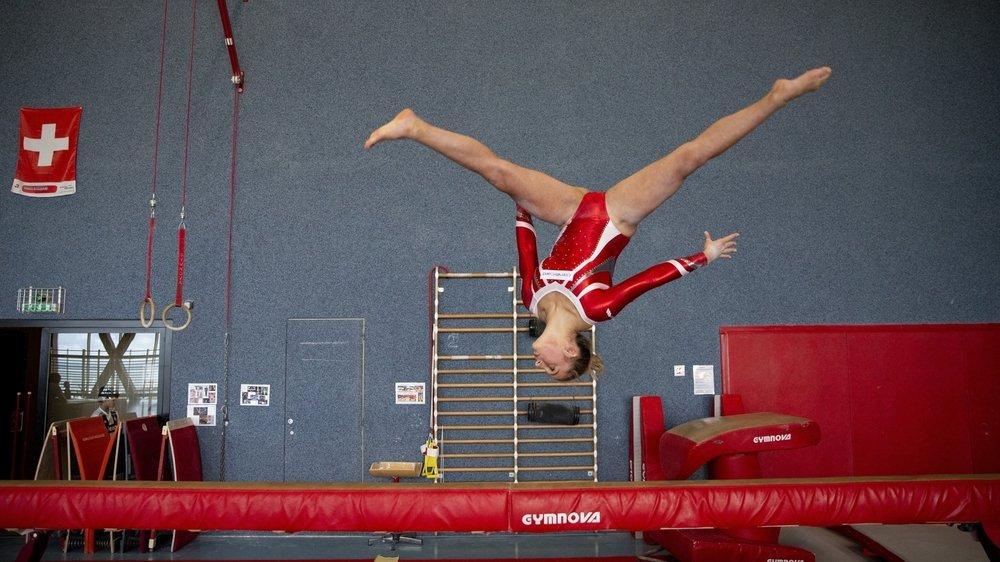 La gymnastique artistique neuchâteloise (ici Anastasia Pascu) est sans dessus-dessous: la discipline peine à maintenir le cap dans le canton.