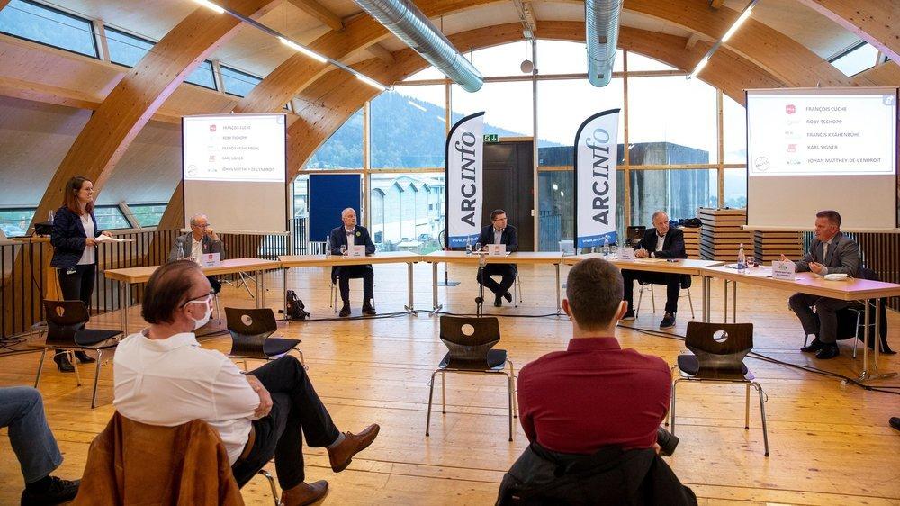 """Ce jeudi soir, le dernier débat organisé par """"ArcInfo"""" a réuni cinq candidats en lice pour les élections communales à Val-de-Ruz."""