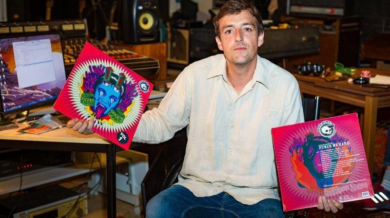 Vincent Tripet, l'un des boss de Burning Sound, dans le studio d'enregistrement du label.