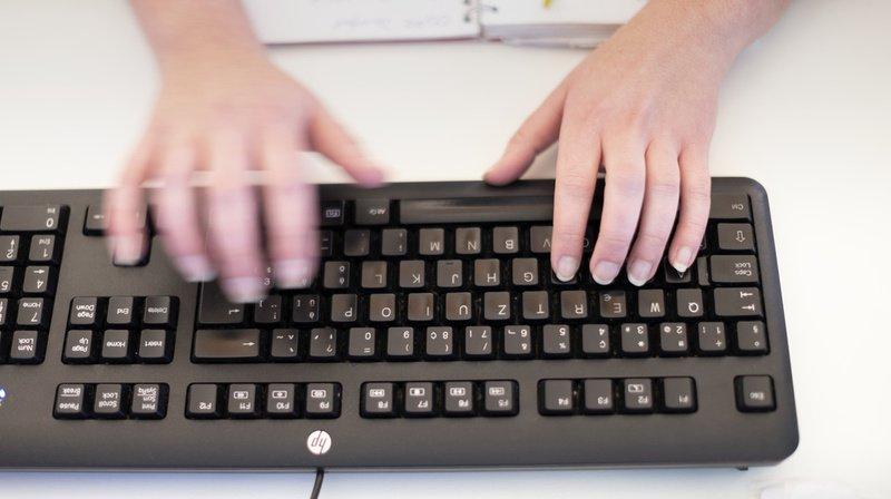 Travail: la numérisation accrue donne des cheveux gris aux employés