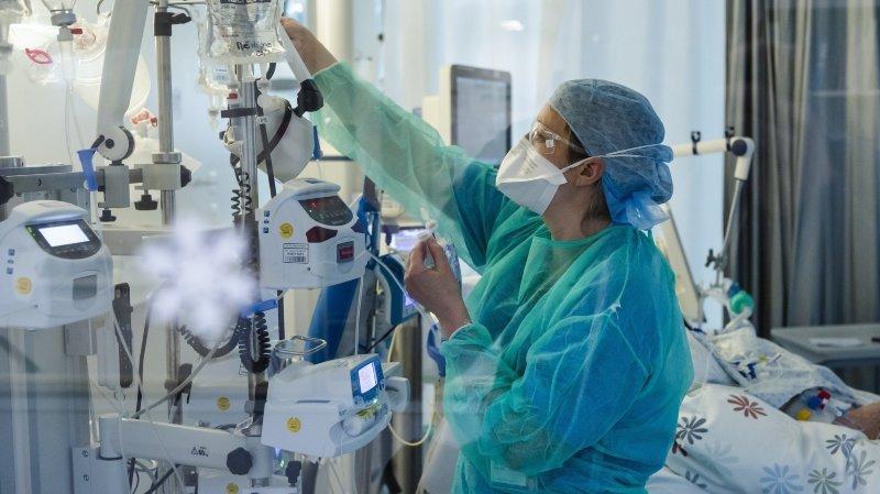 L'afflux de patients atteints du Covid-19 oblige les hôpitaux neuchâtelois à reporter des opérations