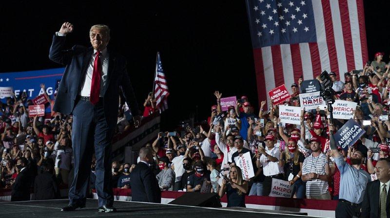 Donald Trump s'est rendu en Floride pour son premier meeting de campagne depuis qu'il a été testé positif au Covid-19.