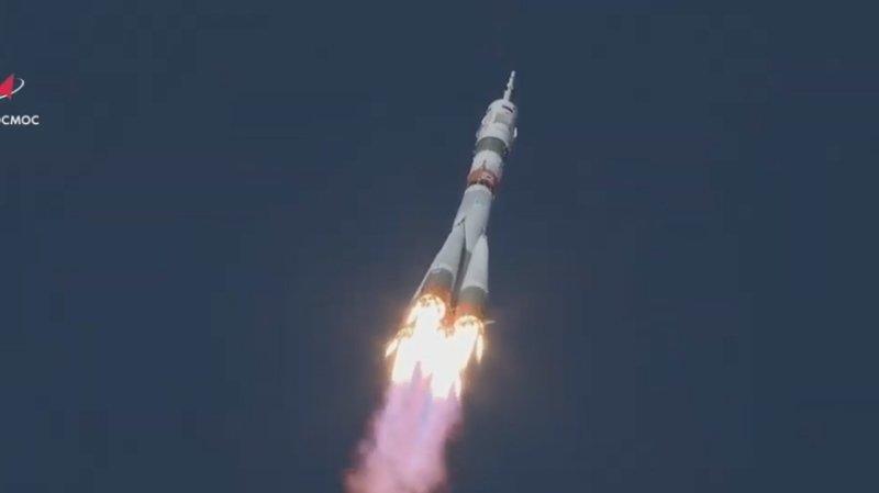 Les deux cosmonautes Sergueï Ryjikov et Sergueï Koud-Svertchkov de Roskosmos et l'astronaute Kathleen Rubins de la Nasa ont décollé comme convenu à 05h45 GMT (07h45 en Suisse) du cosmodrome russe de Baïkonour, au Kazakhstan.
