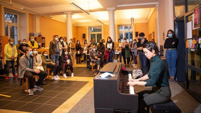 La Chaux-de-Fonds: grâce au piano volant, il y avait de la musique à tous les étages de la bibliothèque