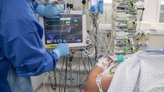 Coronavirus: les hôpitaux suisses ont renforcé leurs capacités pour résister à un nouveau choc