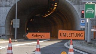Uri: la route de l'Axen à nouveau fermée après un éboulement