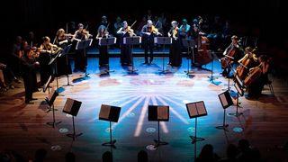 Neuchâtel: l'ensemble à cordes Camerata du Léman ouvre la saison musicale dans un hangar