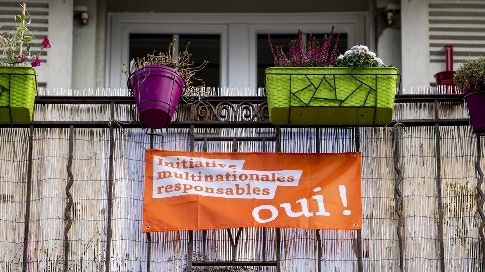 """«On oublie de dire aux gens qui ont mis le drapeau orange à leur fenêtre que nos entreprises sont exemplaires"""", selon un patron neuchâtelois."""