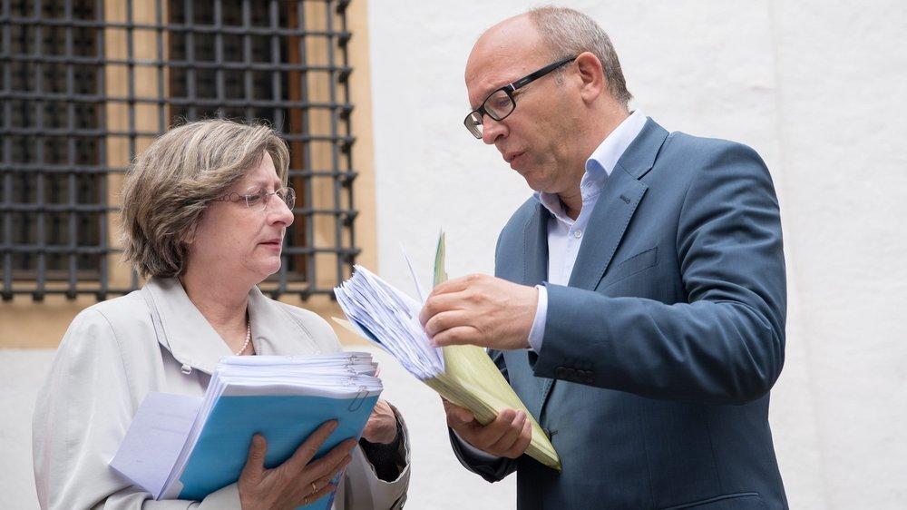 «La solution la plus sage a été choisie pour garantir la justesse du résultat», confie le vice-chancelier du canton, Pascal Fontana (ici à droite).