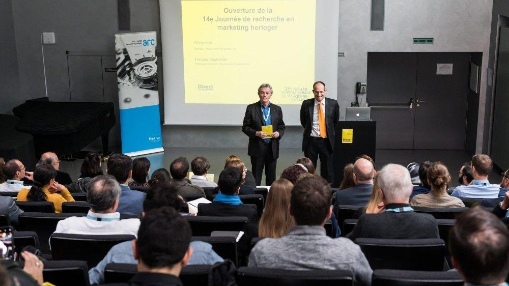 François Courvoisier, doyen de l'IMH et Olivier Kubli, directeur de la HE-Arc Gestion, à la Journée de recherche en marketing horloger en 2019.