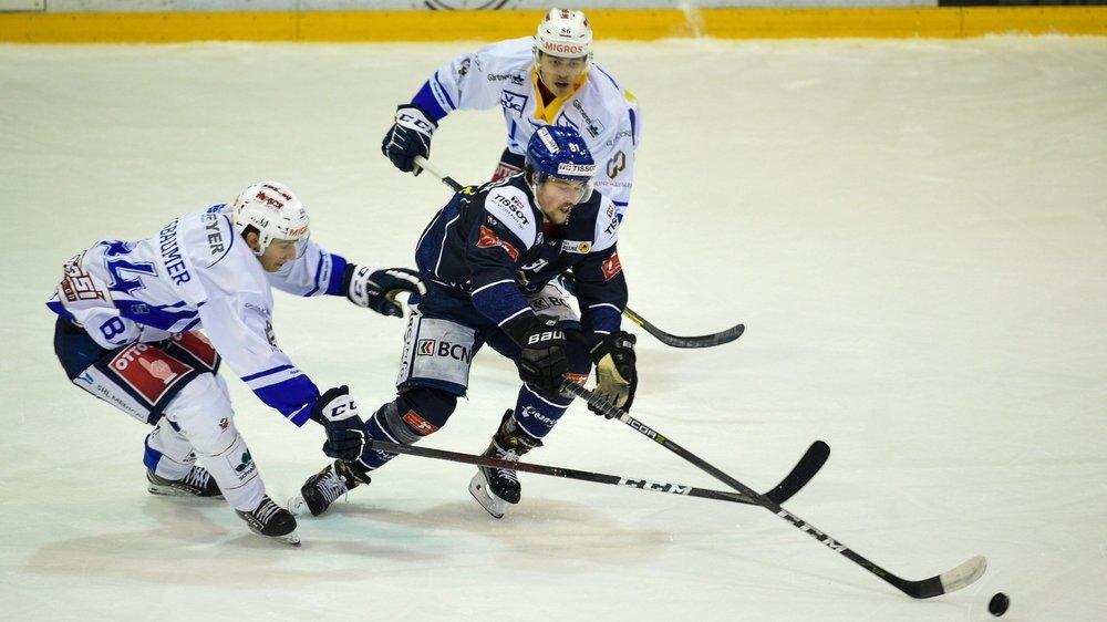 Les contagions durant les matches de hockey (comme ici entre le HCC et Zoug Academy) ne sont pas à exclure, selon certains médecins.