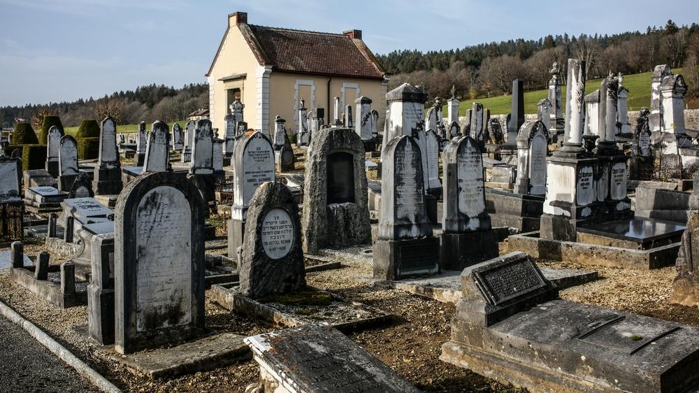 Le cimetière israélite des Eplatures, dans la partie ouest de La Chaux-de-Fonds.
