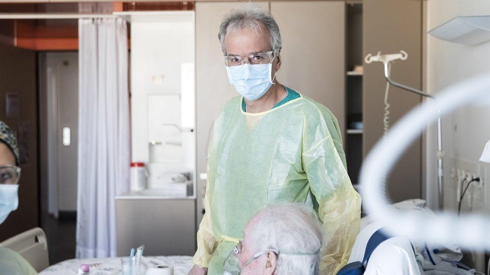 Jean-Marc Fellrath, médecin chef du Service de pneumologie au RHNE et responsable des unités Covid durant le printemps.