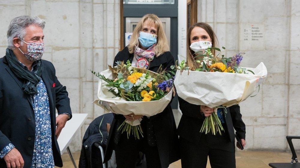 Nicole Baur (au centre) et Violaine Blétry-de Montmollin seront deux des quatre femmes à siéger dans les législatifs élus ce dimanche.