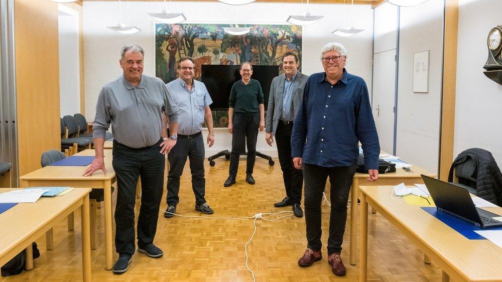 Le nouveau Conseil communal: Christian Mamin, Christian Haenseler, Philipp Hadorn, Olivier Félix et Claude Darbellay (de g. à dr.).