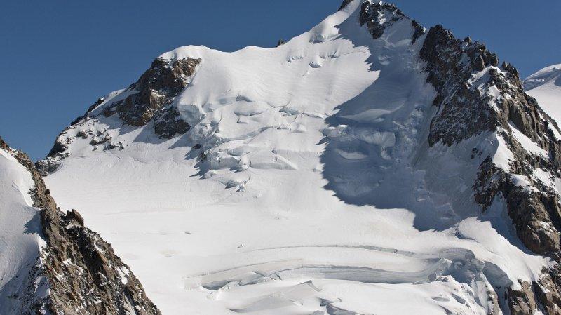 Le 18 juin 2019, un aeronef se posait à 4 450 mètres d'altitude, sur la face est du Mont-Blanc. (illustration)