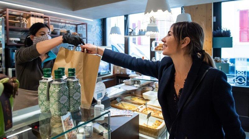 Covid-19: les restaurateurs neuchâtelois espèrent limiter la casse avec les livraisons et les plats à emporter