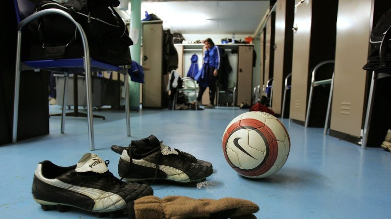 Attouchements: une figure du football neuchâtelois arrêtée