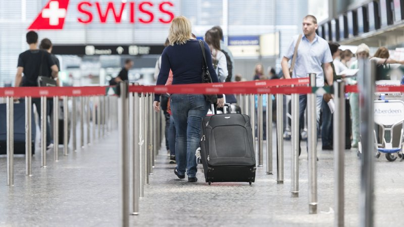 Face à la crise engendrée par le Covid-19 et les restrictions de voyages décrétées au niveau mondial, le nombre de passagers transportés s'est effondré de 69,8% à 4,3 millions de voyageurs (ILLUSTRATION).