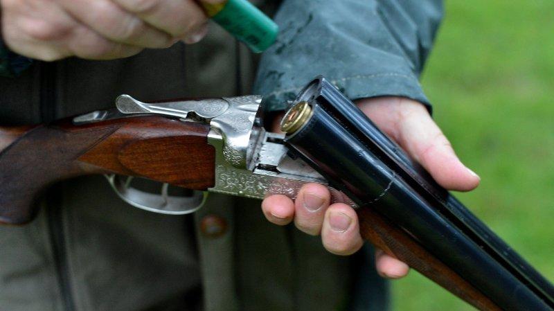 Neuchâtel: des députés réclament une loi interdisant l'alcool durant la chasse