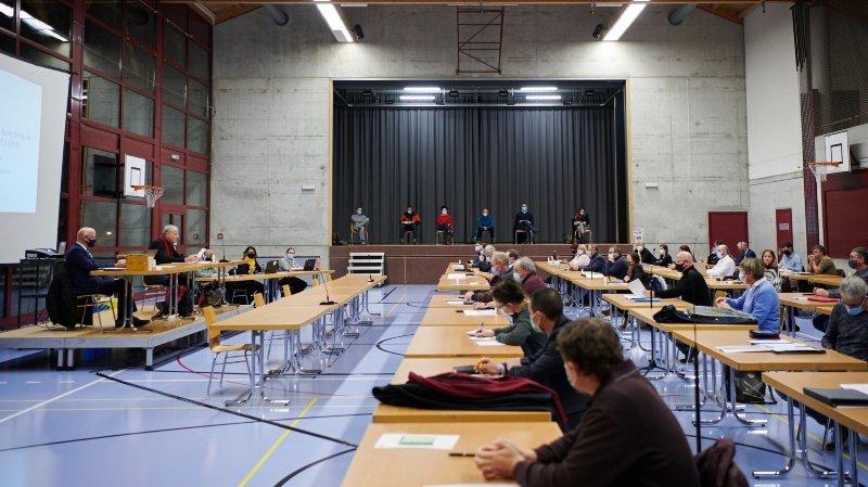 Val-de-Ruz: le législatif donne son feu vert à une hausse d'impôts