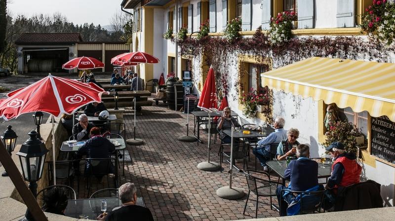Covid-19: avec la fermeture des restaurants, les tenanciers neuchâtelois ont la gueule de bois