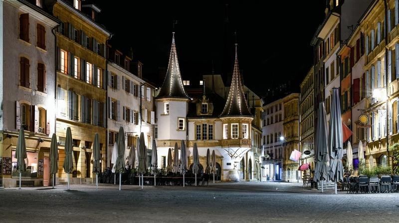 Canton de Neuchâtel: c'est beau une ville déserte la nuit