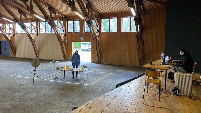Covid-19: un centre de dépistage en mode drive-in à Bassecourt
