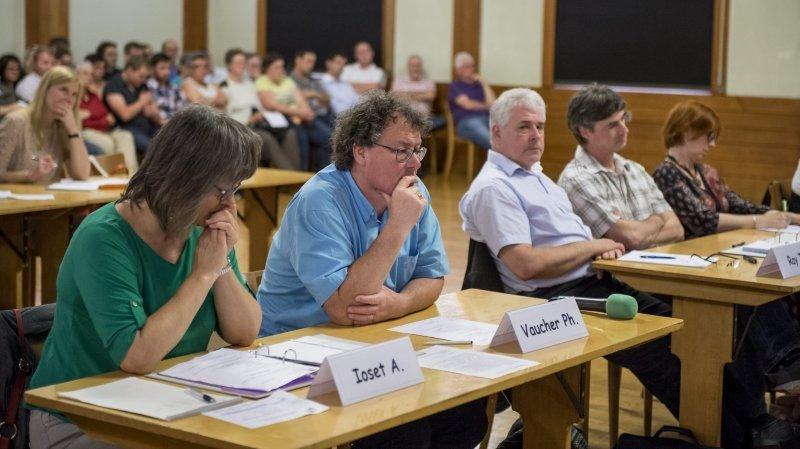 Les conseillers généraux POP de Val-de-Travers, Adriana Ioset et Philippe Vaucher, ont écrit à la chancellerie cantonale.