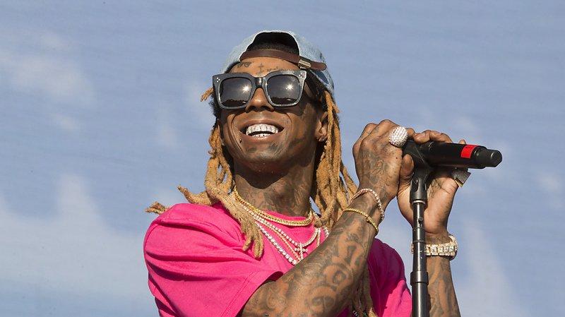 Etats-Unis: le rappeur Lil Wayne inculpé en Floride pour possession d'arme, il risque 10 ans de prison