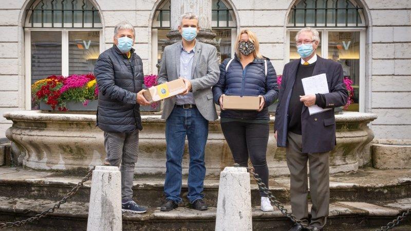 Places de parc bientôt supprimées: Neuchâtel devrait voter le 7 mars