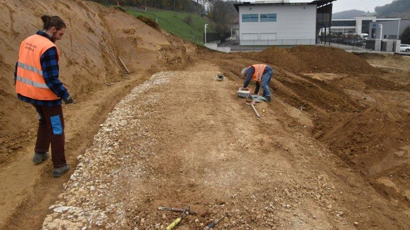La voie romaine en cours de dégagement, à Porrentruy