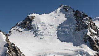 Il avait posé son avion sur le Mont-Blanc: 38 euros d'amende pour un pilote suisse
