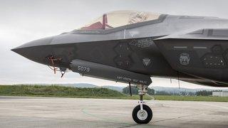Avions de combat: l'acquisition des avions aux mains du Conseil fédéral