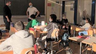 """Semaine des médias à La Chaux-de-Fonds: """"ArcInfo"""" sous le feu des questions des élèves du Ceras"""