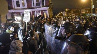 Etats-Unis: arrestations et pillages au lendemain de la mort d'un homme noir à Philadelphie