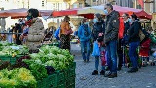 Du monde dans les marchés neuchâtelois, mais moins de chiffre pour les maraîchers