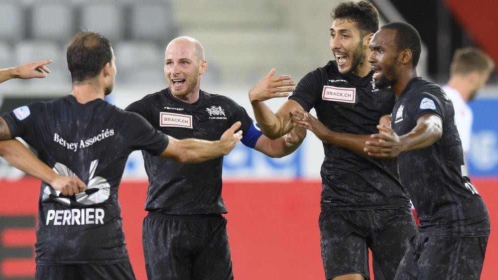 Les joueurs de SLO (de gauche à droite Michael Perrier, Andy Laugeois, Yanis Lahiouel et Rafidine Abdullah) ont de quoi exulter.