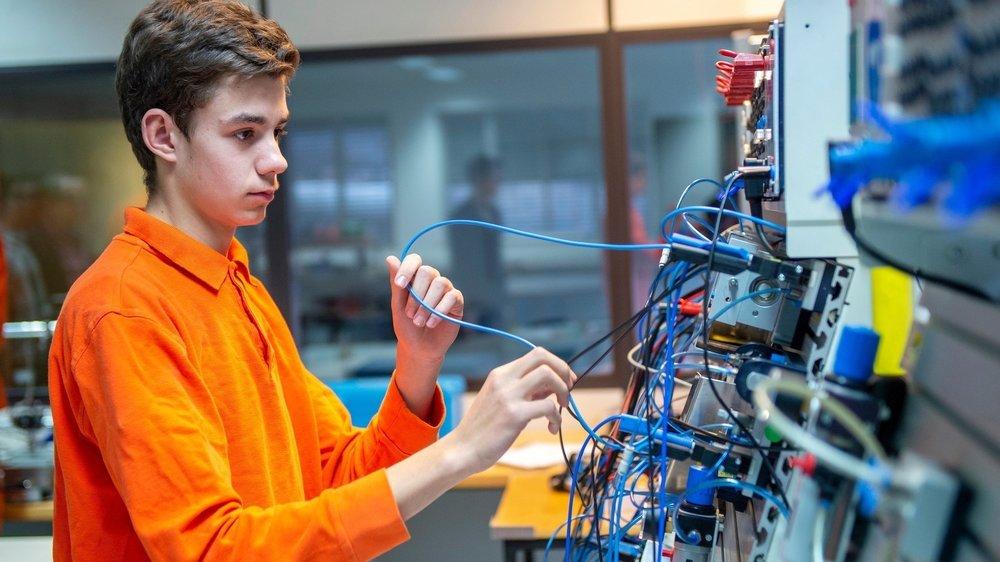 Pas toujours facile pour les jeunes de choisir une voie dans la jungle des métiers disponibles.
