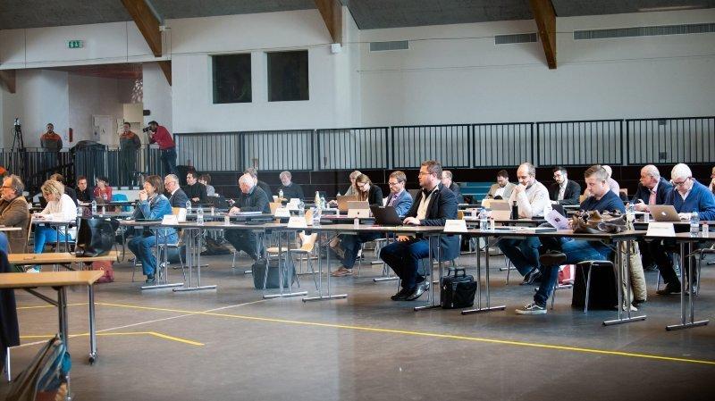 La Chaux-de-Fonds: le Grand Conseil «vire» trois clubs du Pavillon des sports