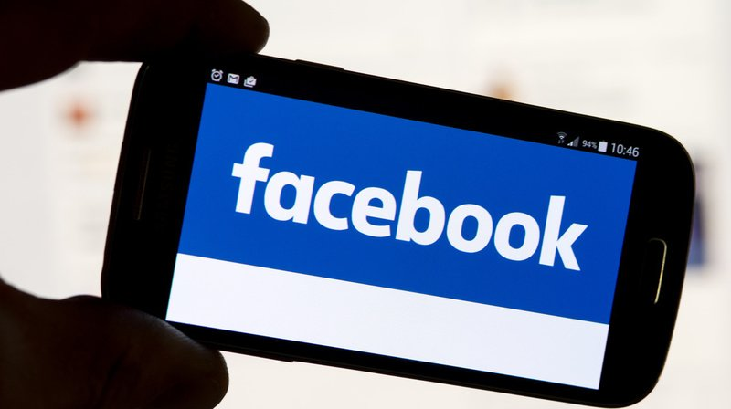 Réseaux sociaux: Facebook va lancer son fil d'actualités au Royaume-Uni en janvier