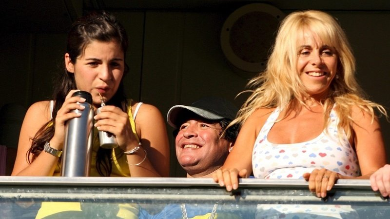 La vie privée de Maradona laisse présager un héritage contesté